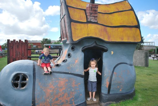 tweedle farm - Tweddle Children's Animal Farm, Hartlepool