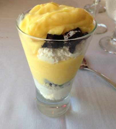 One Fish, Two Fish Restaurant: Liquer infused banana pudding with oreo cookie crunch