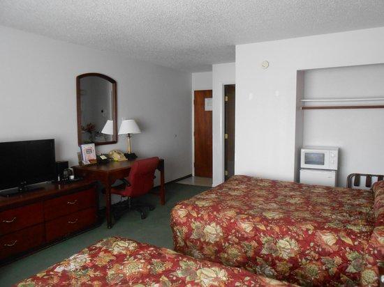 Maverick Motel: Room