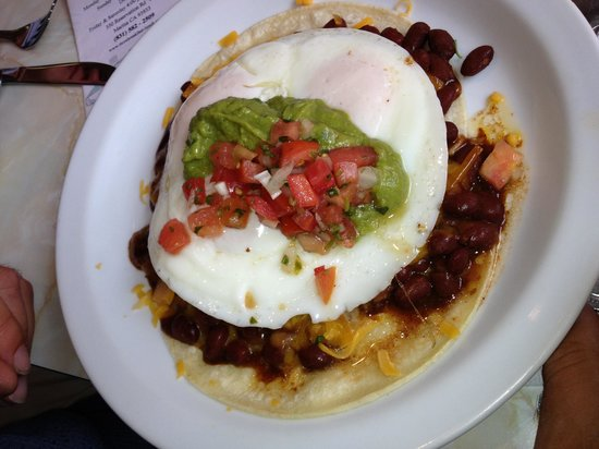 Ticos Breakfast & Lunch: Huevos rancheros