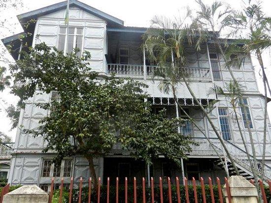 Casa do Ferro (The Iron House): wrought iron, lattice work balconies