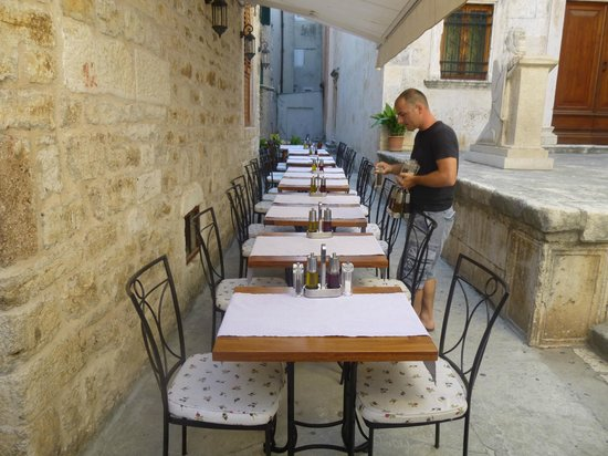 Villa Nora Hvar: Setting Up for Ancient Street Dining
