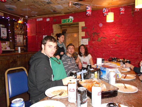 Bristol Backpackers Tourist Hostel : Taverna al piano interrato dove organizzare cene
