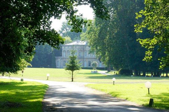 Chateau de la Motte Fenelon : The castle park