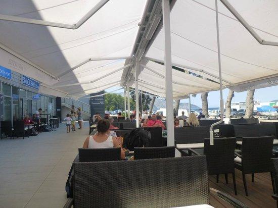 Villa Nora Hvar: Embarkation Lounge for Car Ferry