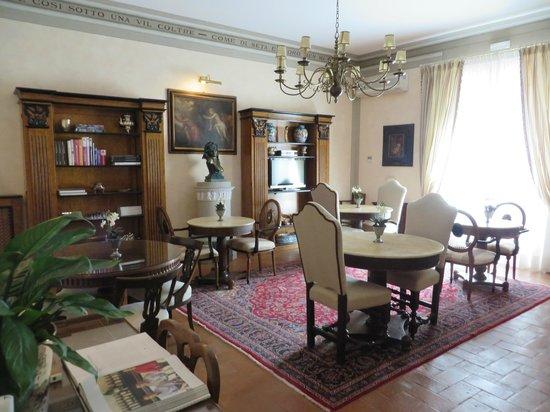 Relais Villa Il Sasso Historical Place : interior of the villa