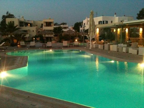 Angeliki Studios & Apartments: pool bar
