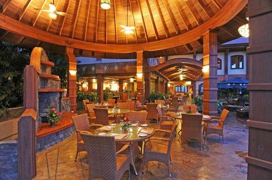 The Springs Resort and Spa: Tres Cascadas Restaurant's Chimney area