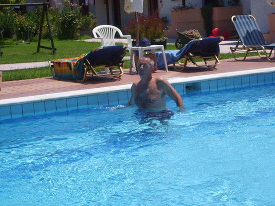 Byzantium Apartments: Lovely pool