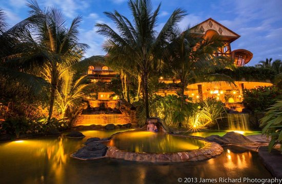 The Springs Resort and Spa : Springs at night