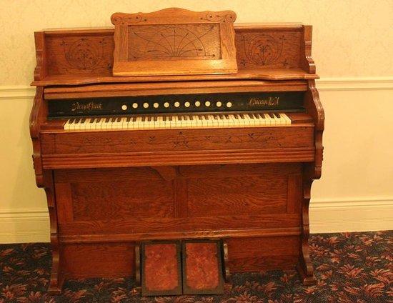 The Horton Grand Hotel : 19th Century organ