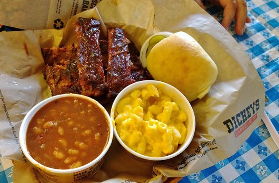 ‪Dickey's Barbecue Pit‬