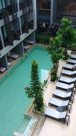 Aree Tara Resort: vom Balkon zum Poolbereich
