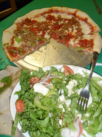 Cafe Rio: Pizza and greek salad