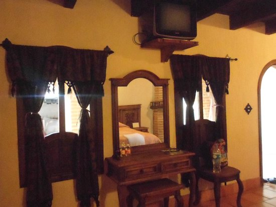 Hotel Santo Tomas: Television