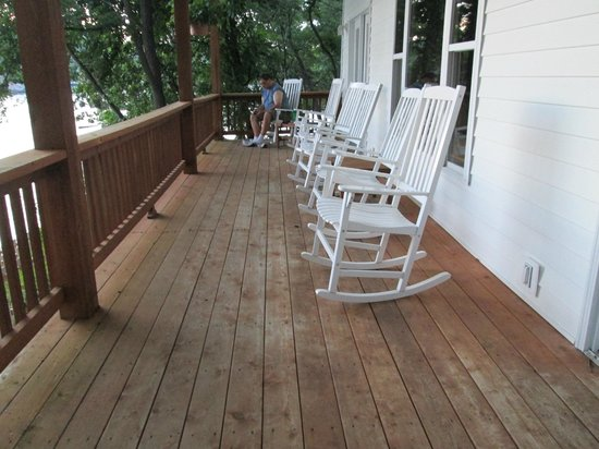 Bass and Baskets : Common Area Porch