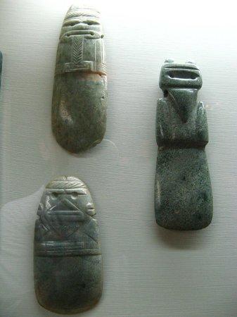Museo del Jade: Atente para as mãos junto à barriga - igual aos Moais da Ilha de Páscoa. Coincidência?