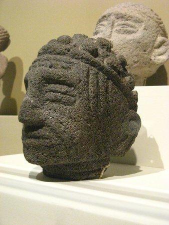 Jade Museum : Não parece um índio americano?