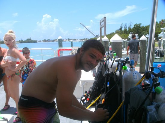 Captain Hook's Marina & Dive Center: Reef master dive boat and diver