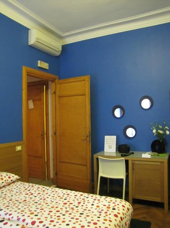 My Guest Roma: cool and beautiful room