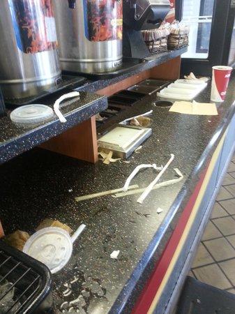 KFC: drink/condiment counter