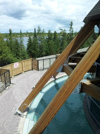 Manitoulin Hotel & Conference Centre: overlooking pool and channel