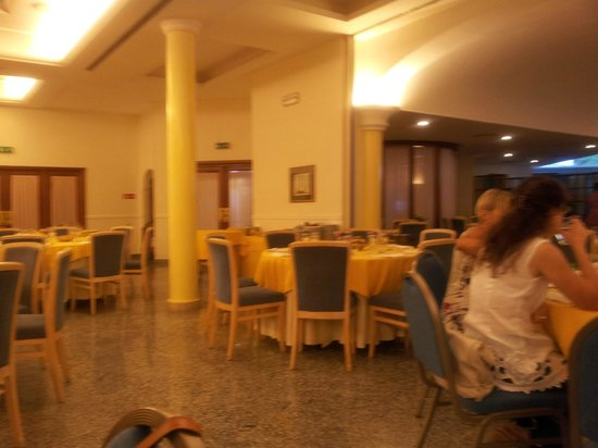 Hotel Continental Ischia: la sala da pranzo