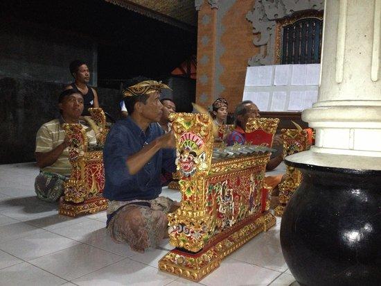 Bali Homestay Cepaka: Made en pleine répétion de musique