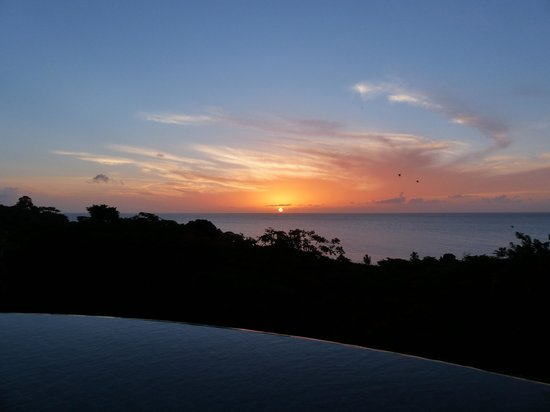 The Villas at Stonehaven: Sunset view from the pool