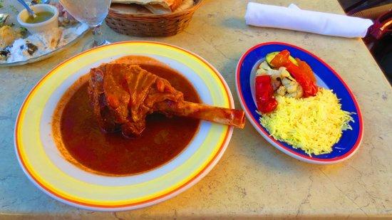 Cafe Baklava: Leg of lamb on Turkish sauce