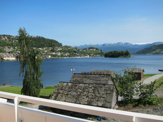 Thon Hotel Sandven : This was the view out of our window!