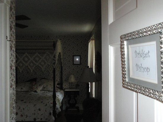 Morning Glory Bed & Breakfast: Bridget bishop room