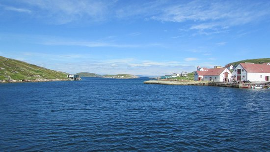 Battle Harbour Heritage Properties: entering the tickle