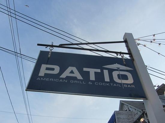 Patio American Grill : Restaurant Schild