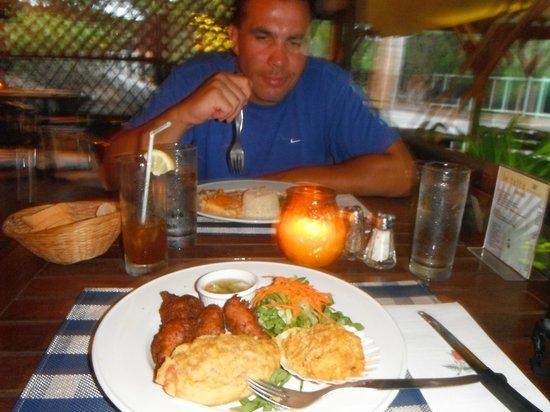 Le Taitu: Dinner is served