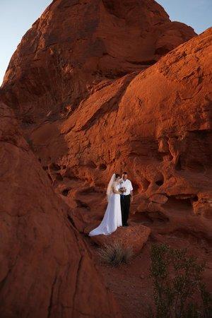 Scenic Las Vegas Weddings Chapel: Sunset Wedding