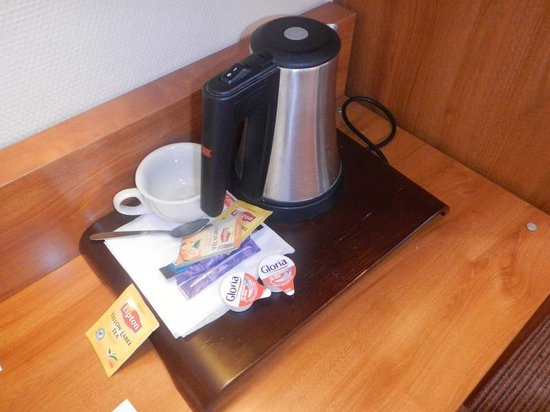 Timhotel Montmartre: Electric coffee, worked great