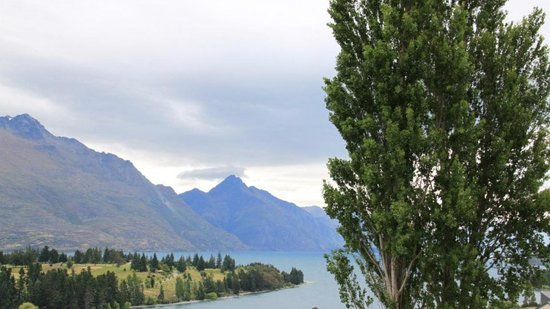 No 70, Studio Accommodation Queenstown: Another view from our room. Really doesn't do it justice.