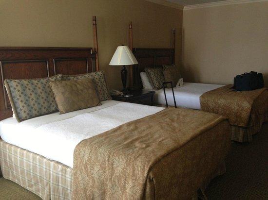 Chelsea Motor Inn: beds