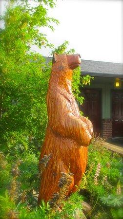 Mingo Motel: The Mingo Bear