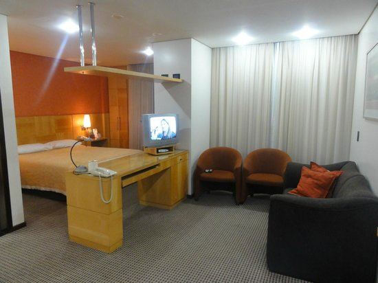 Mercure Hotel Curitiba Centro: Quarto