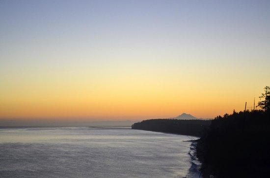 Sea Cliff Gardens Bed & Breakfast: Sunrise
