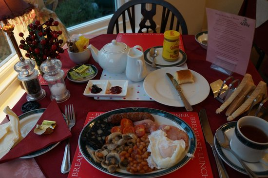 Holly-Wood Guest House: breakfast