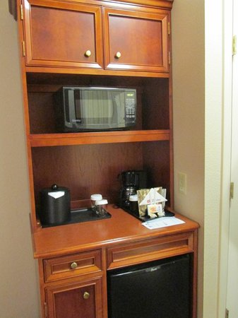 Hilton Garden Inn BWI Airport: Pantry, Microwave, Mini-Fridge