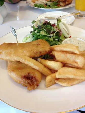 Harrods Cafe: delicious fish and chips