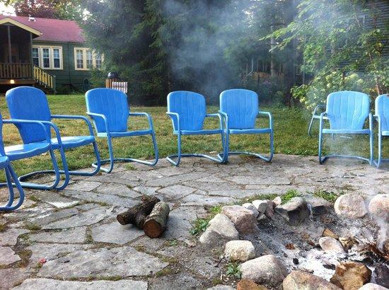 Fire Fly Resort : Firepit area