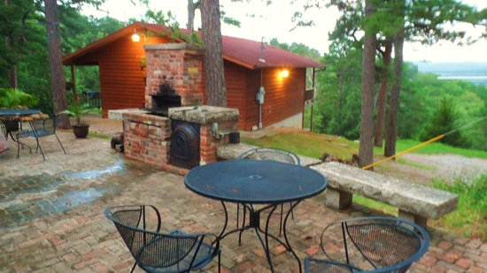 Brackenridge Lodge : grill area