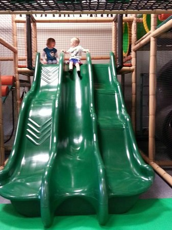 Lil' Monkey's Treehouse Indoor Playground : Triple slide