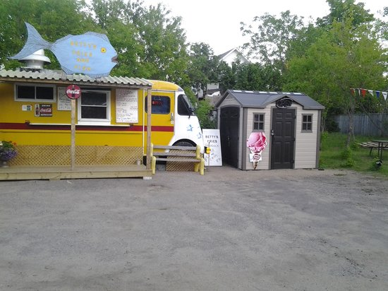 Denbigh, Канада: Best Fish and Chips around!!!