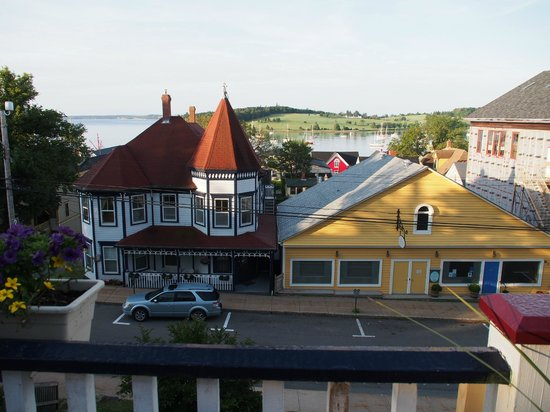 Boscawen Inn: View of harbour from the deck